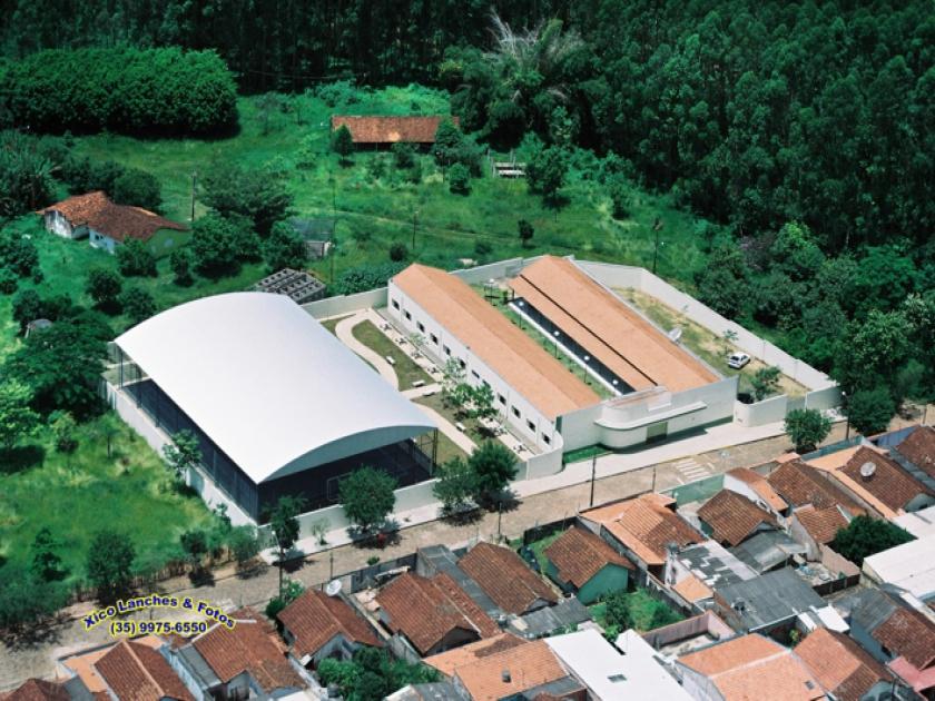 Escola Municipal Wulfida Marcolini no bairro Maria Italiana
