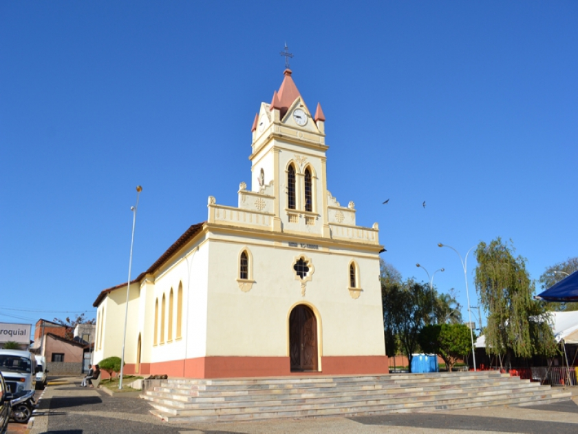 Igreja Matriz de Nossa Senhora da Abadia no bairro Mocoquinha