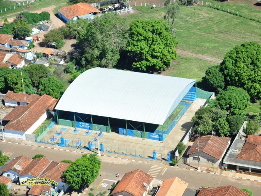 Quadra poliesportiva no Distrito de Guardinha