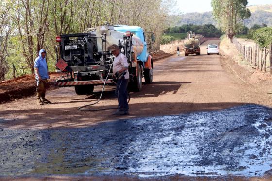 Estrada da Guardinha: Executada 1ª parte da pavimentação