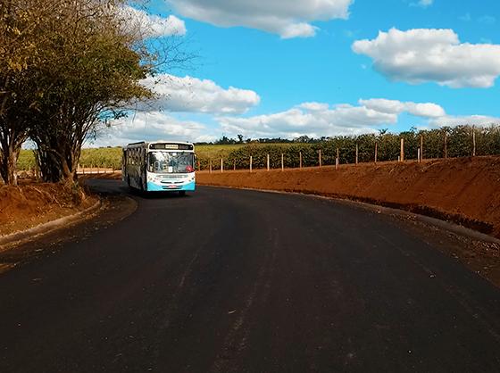 Guardinha: Concluída pavimentação de novo trecho da estrada